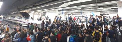 Archivan la causa por cortar las vías del AVE en Barcelona-Sants en la huelga del 8N de 2017