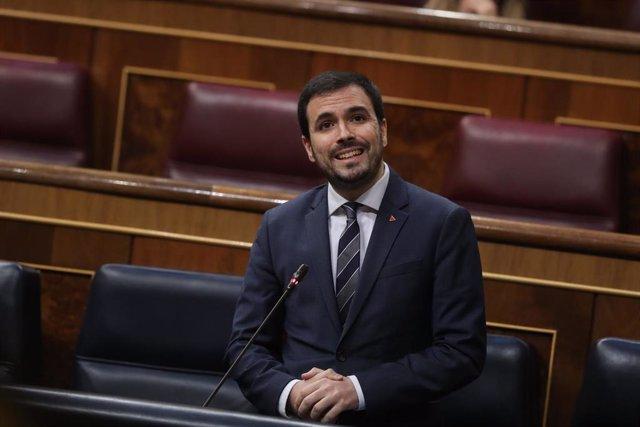 El ministro de Consumo, Alberto Garzón, interviene durante el debate en el Congreso