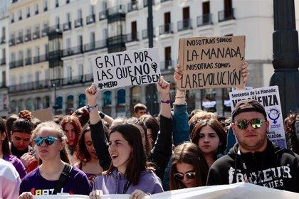 """Feministas urgen a reformar los delitos sexuales tras el fallo de Pozoblanco, que impone penas """"escasas"""" por abuso"""