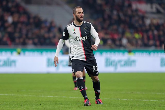 Gonzalo Higuain of Juventus during the Italian Cup, Coppa Italia, semi final 1st leg football match between AC Milan and Juventus on February 13, 2020 at Giuseppe Meazza stadium in Milan, Italy - Photo Fabrizio Carabelli / Sportphoto24 / DPPI
