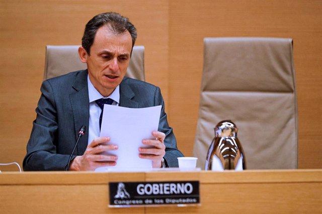 El ministro de Ciencia e Innovación, Pedro Duque, comparece ante la Comisión de Ciencia, Innovación y Universidades del Congreso de los Diputados, este jueves en Madrid (España), a 21 de mayo de 2020.