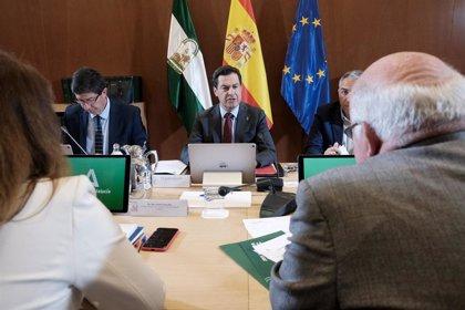 Moreno se reúne este sábado con el comité de expertos de Andalucía para analizar medidas en la Fase 3 de desescalada