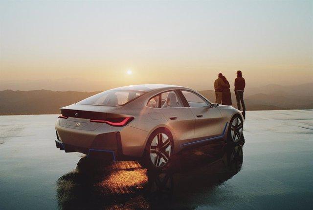 Imagen del prototipo eléctrico BMW i4.