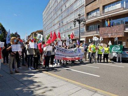 CCOO, SAE y CSIF protestan ante el ERA por los recortes y para reclamar igualdad retributiva