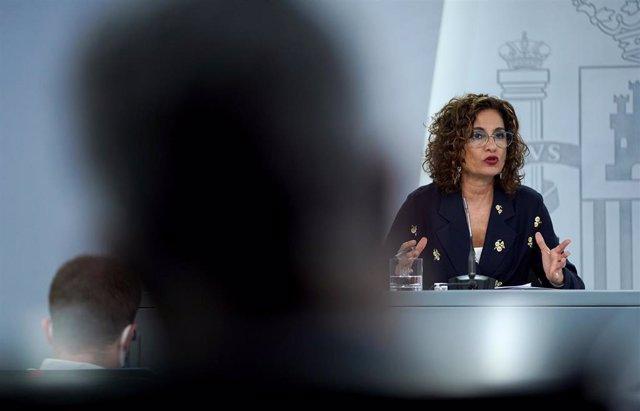La ministra portavoz y de Hacienda, María Jesús Montero, durante su comparecencia en la rueda de prensa posterior al Consejo de Ministros extraordinario de carácter no presencial. En Moncloa, Madrid (España), a 5 de junio de 2020.