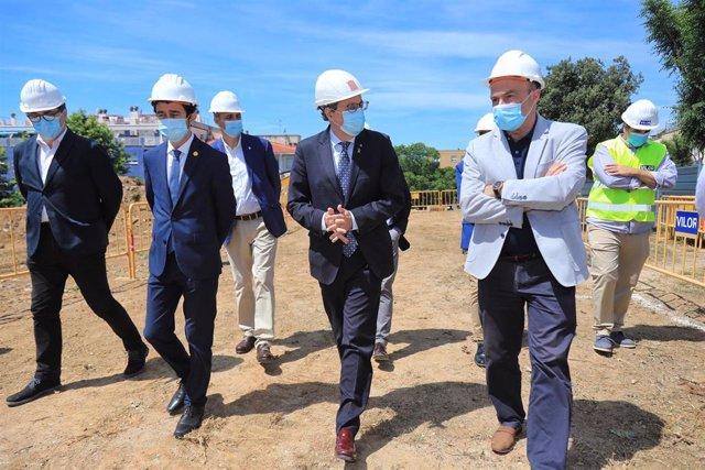 El president de la Generalitat, Quim Torra, visita la construcción de una nueva promoción en El Masnou (Barcelona), el 5 de junio de 2020.