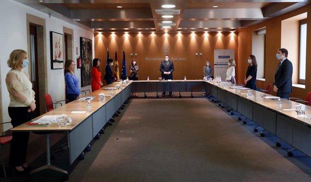 Reunión de la Mesa de financiación autonómica entre el Gobierno del Principado y los grupos parlamentarios de la Junta General