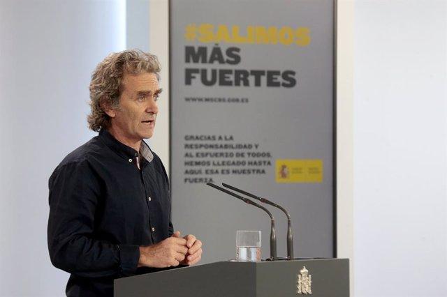 El director del Centre de Coordinació d'Alertes i Emergències Sanitàries, Fernando Simón, compareix en roda de premsa per informar sobre les novetats de la covid-19, Madrid (Espanya), 27 de maig del 2020.