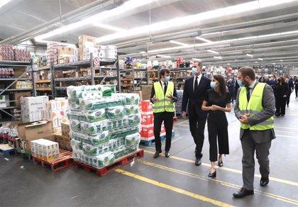 Los Reyes visitan el Centro de Transportes de Coslada ante el papel de la logística en la crisis