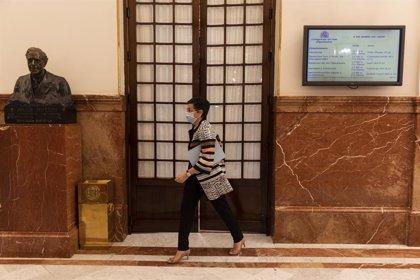 Exteriores lanza un servicio telefónico para resolver dudas sobre viajes profesionales
