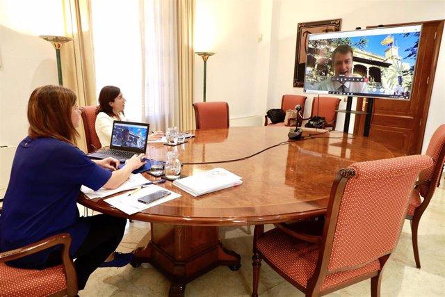 La presidenta del Govern, Francina Armengol, durante la videoconferencia.