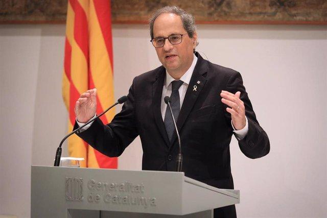 El presidente del Govern, Quim Torra, en rueda de prensa, en la que también ha participado el vicepresidente del Govern, Pere Aragonès.