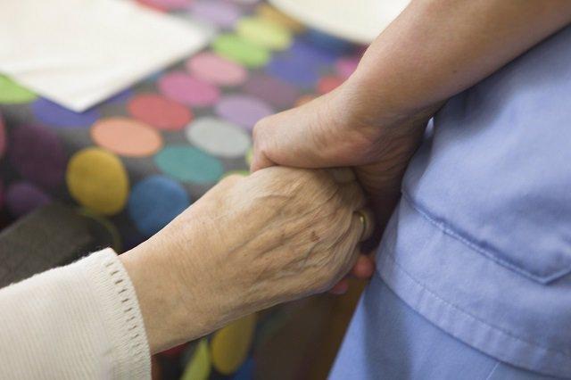 Diputación de Álava permitirá desde el 8 de junio visitas de familiares en las residencias de mayores, con cita previa