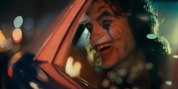 1. Un hombre disfrazado de Joker, detenido por incendiar un coche durante las protestas en Estados Unidos