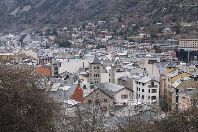 Vista del nucli urbà format per Escaldis-Engordany i Andorra la Vella.