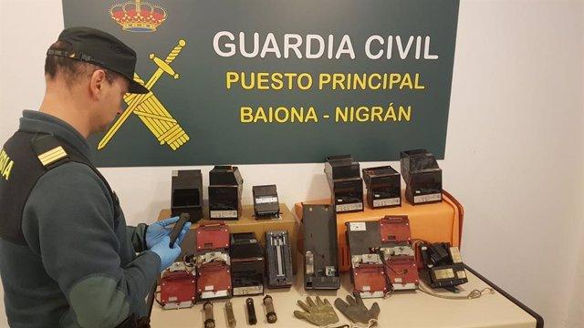 Cajetines recuperados en Baiona de los robo presuntamente cometidos por seis personas