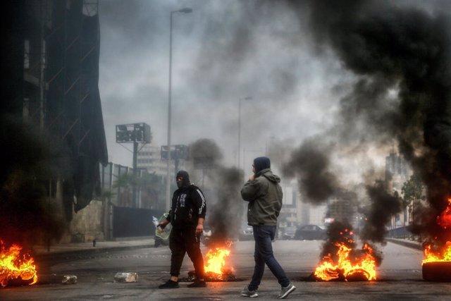 Líbano.- Decenas de miles de libaneses se preparan para la gran protesta naciona