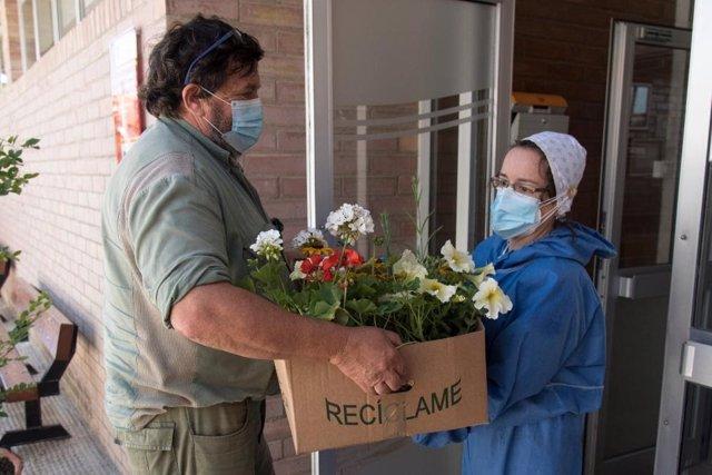 Reparto de flores a residencias