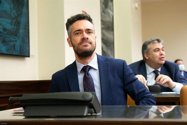 El diputado del PSOE Felipe Jesús Sicilia, durante la comparecencia del ministro del Interior, Fernando Grande-Marlaska, en el Congreso