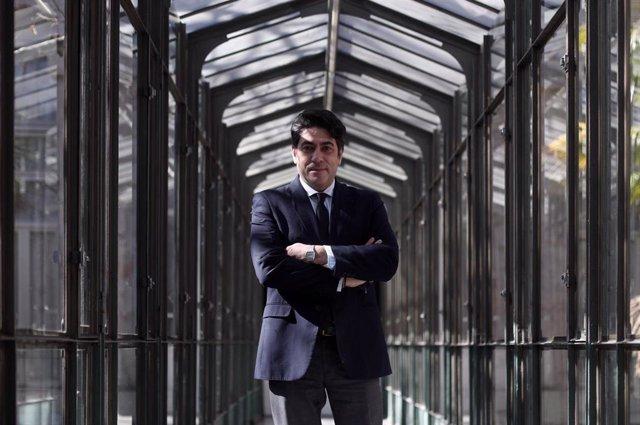 El Consejero de Vivienda de la Comunidad de Madrid, David Pérez, posa antes de una entrevista con Europa Press, en Madrid (España) a 19 de febrero de 2020.