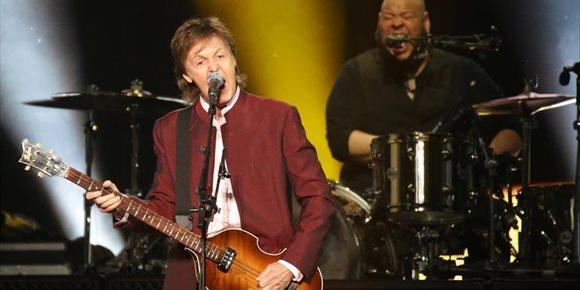 1. Paul McCartney recuerda que los Beatles se negaron a dar un concierto con segregación racial en 1964 en Jacksonville