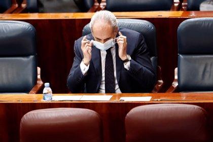 """Madrid asegura que """"nunca"""" aplicó el polémico borrador de traslados de ancianos: """"Se hizo lo humanamente posible"""""""