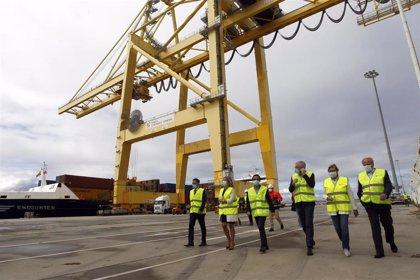 El Puerto de Ferrol inaugura la línea de tráfico de contenedores conectada con Reino Unido e Irlanda