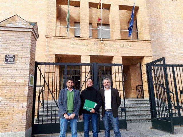 Sevilla.- Adelante pide solucionar la contratación de monitoras de apoyo a Infantil en los colegios de Cantillana