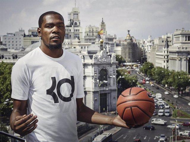 Kevin Durant, de gira por Madrid
