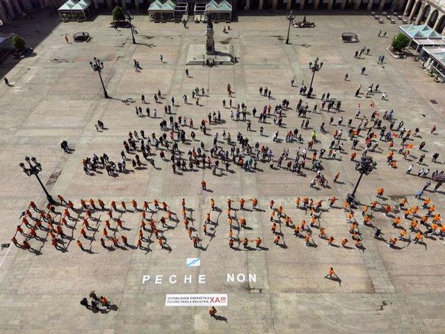 """Cientos de trabajadores de Alu Ibérica reclaman la """"intervención pública"""" de la planta en A Coruña"""