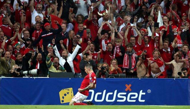 Fútbol.- El Copenhague planea el acceso de 10.000 aficionados a su estadio con u