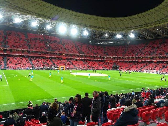 """Fútbol.- Sindicatos de periodistas dicen que es """"inaceptable"""" el """"reducido"""" núme"""
