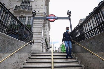 Reino Unido baja en muertos diarios pero vuelve a sobrepasar los 1.500 contagios en las últimas horas