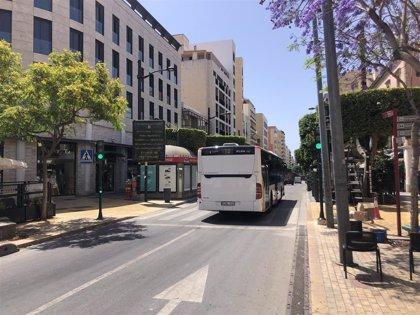 El Ayuntamiento de Almería restablece el servicio del bus urbano al cien por cien a partir del lunes