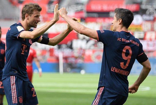Fútbol.- (Crónica) El Bayern da otro paso hacia el título con una reacción de ca