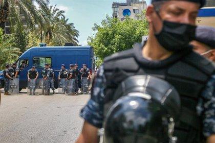 Comienzan los enfrentamientos en Beirut entre manifestantes contra el Gobierno y partidarios de Hezbolá