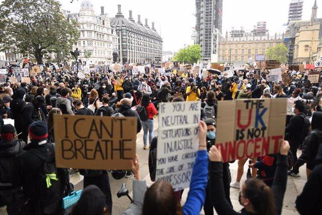 Manifestación antirracista en Londres tras la muerte de George Floyd