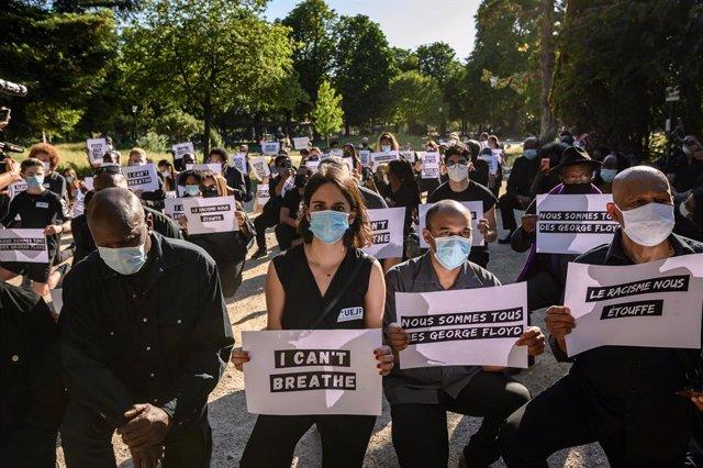 Protesta antiracista a París