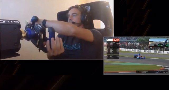 Captura de Fernando Alonso jugando a los eSports
