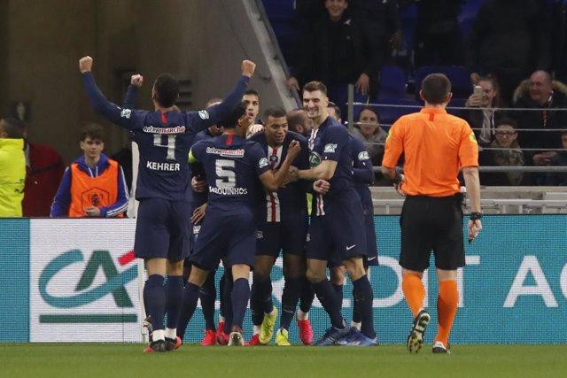 Fútbol.- La Ligue 1 podría terminar en 'playoff' con el visto bueno de la UEFA