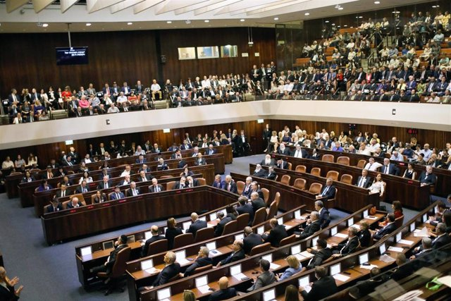 FILED - 03 October 2019, Israel, Jerusalem: A general view of the first session of the 22nd Israeli parliament (Knesset). Israeli parliamentary committee meetings were postponed on Thursday after a lawmaker was tested positive for the coronavirus, a Kness