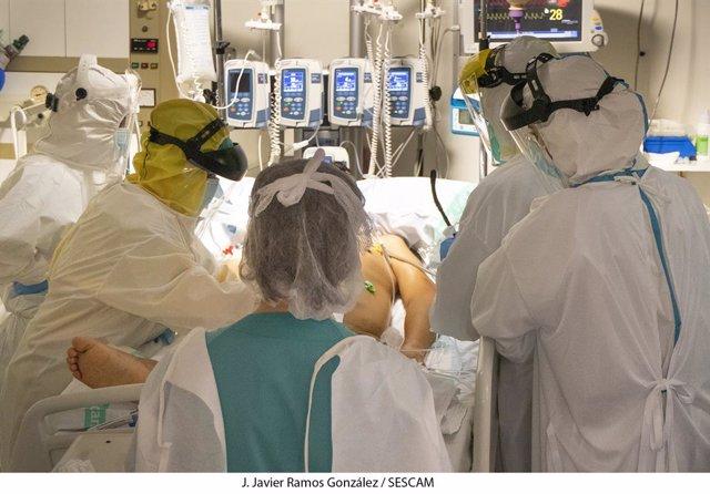 Embargada.- Recomiendan que a todos los pacientes de COVID-19 que ingresen en UC