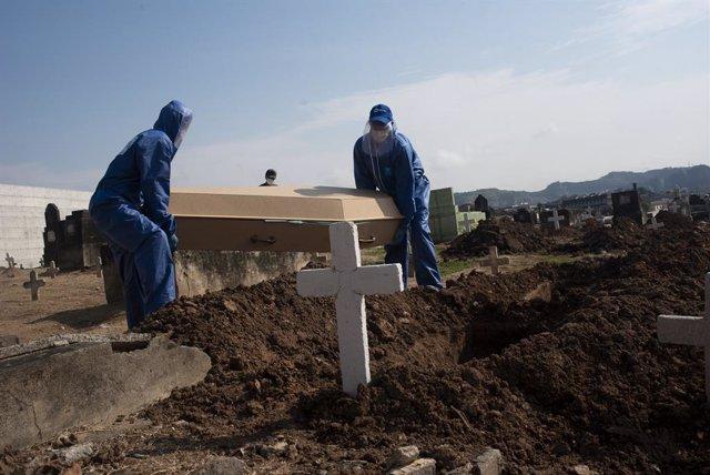 Coronavirus.- La pandemia de coronavirus deja más de 400.000 muertos y siete mil