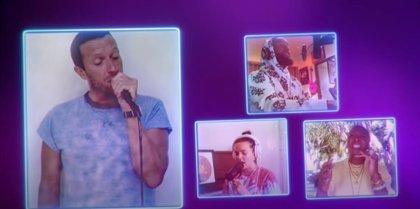 Chris Martin, Camila Cabello, Tove Lo, Khalid, Leon Bridges y Finneas hacen una versión coral del 'Beautiful day' de U2