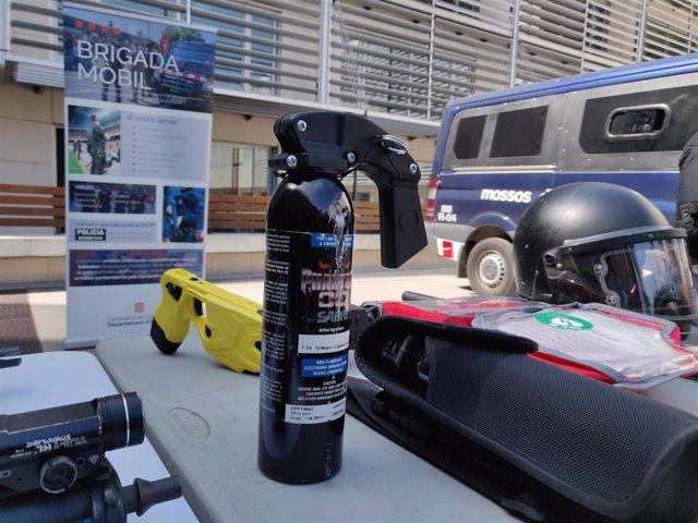 Bote de gas pimienta del Área de Brigada Móvil de los Mossos d'Esquadra (ARCHIVO).