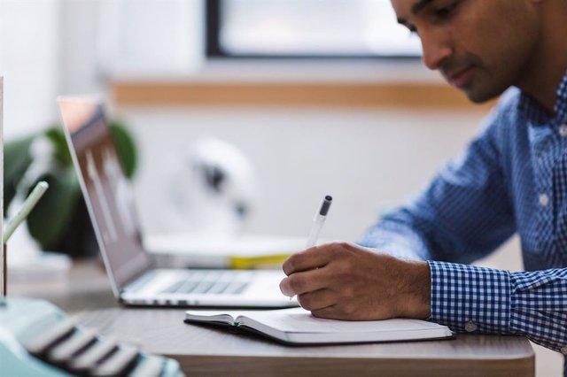 """Empresas y administraciones ante el reto del teletrabajo: """"La ventaja de la tecn"""