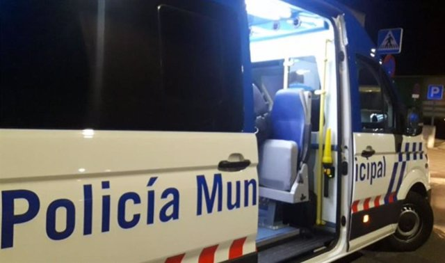 Una furgoneta de atestados de la Policía Municipal de Valladolid.