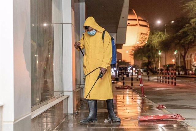 Coronavirus.-Arabia Saudí registra un máximo diario de casos y suma tres días co