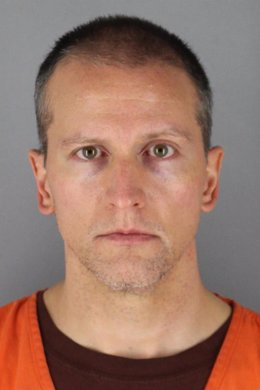 El exagente de Policía Derek Chauvin, procesado por la muerte de George Floyd
