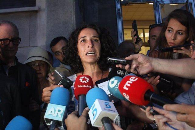 Patricia Ramírez , madre del niño Gabriel Cruz, Angel Cruz y a la salida de la Audiencia Provincial de Almería, haciendo unas declaraciones a la prensa